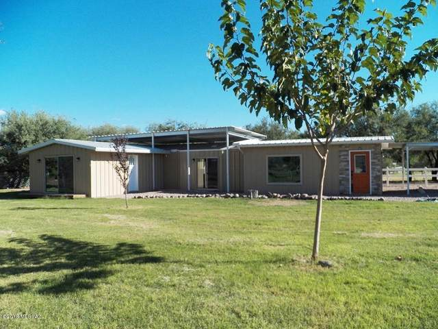 2997 W Frontage Road, Amado, AZ 85645 (#22003370) :: Long Realty - The Vallee Gold Team