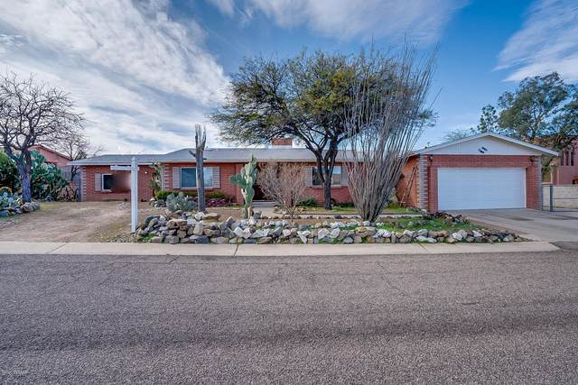 111 W Forrest Feezor Street, Corona de Tucson, AZ 85641 (#22003689) :: Long Realty - The Vallee Gold Team