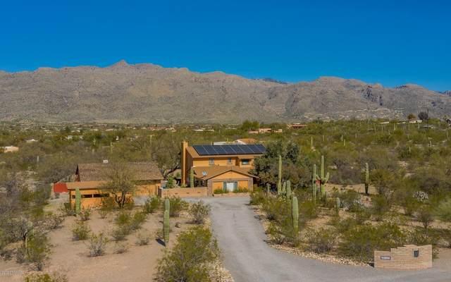 10525 E Calle Vaqueros, Tucson, AZ 85749 (#22004442) :: Long Realty - The Vallee Gold Team
