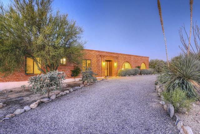 5435 N Via Entrada, Tucson, AZ 85718 (#22004521) :: Long Realty - The Vallee Gold Team
