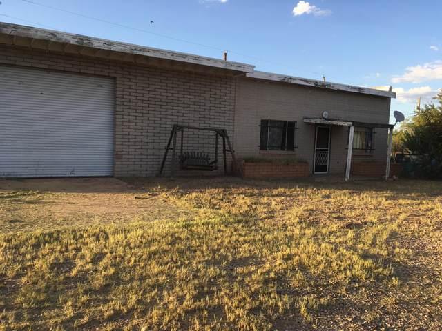 417 E Navajo Street, Huachuca City, AZ 85616 (#22004706) :: The Josh Berkley Team