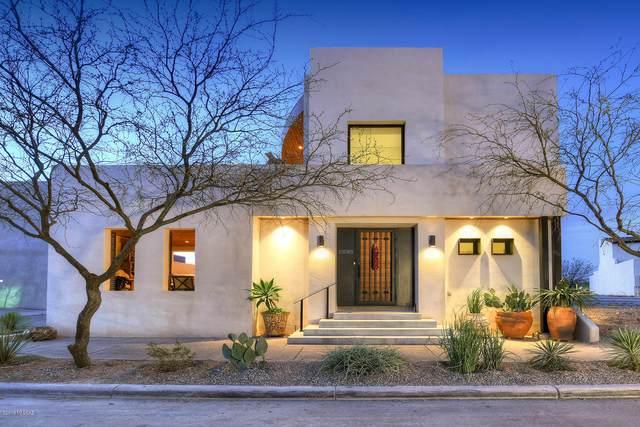 895 W Calle De Los Higos, Tucson, AZ 85745 (#22004912) :: Long Realty - The Vallee Gold Team