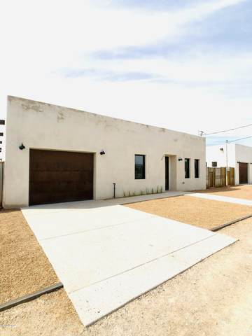 1010 S Russell Avenue, Tucson, AZ 85701 (#22007916) :: Long Realty - The Vallee Gold Team