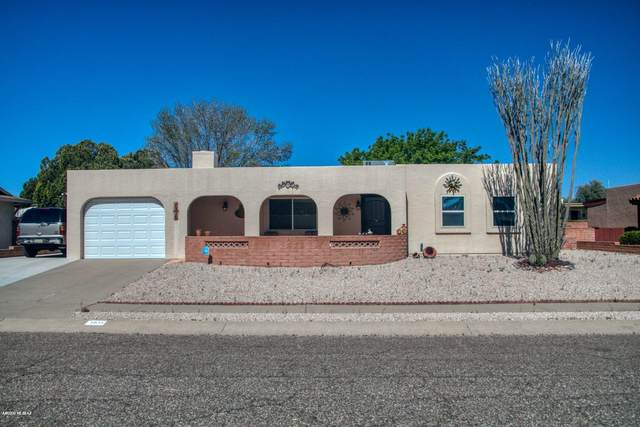 1938 S San Ray, Green Valley, AZ 85614 (MLS #22008397) :: The Property Partners at eXp Realty