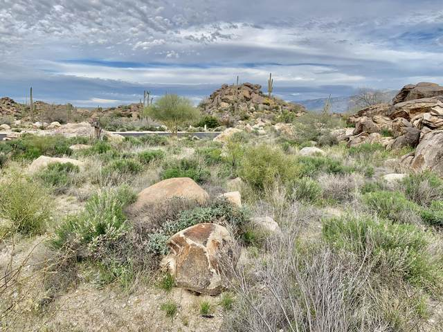 14762 N Strong Stone Drive #302, Tucson, AZ 85755 (#22008472) :: Long Realty - The Vallee Gold Team