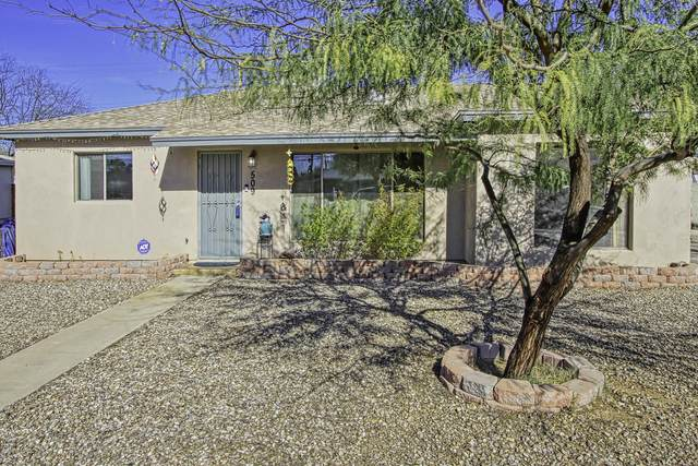 509 S Kenyon Drive, Tucson, AZ 85710 (#22008919) :: Long Realty - The Vallee Gold Team