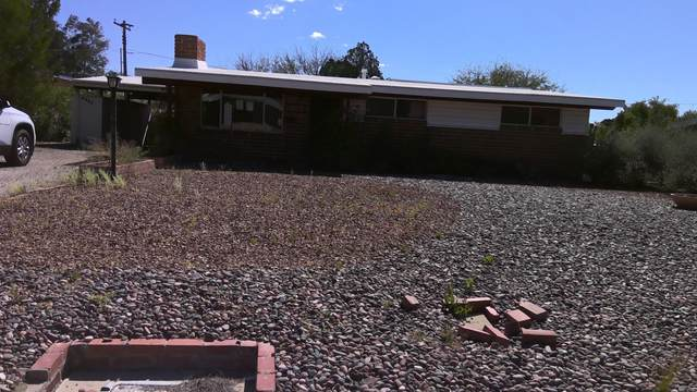 6962 E Kirkland Drive, Tucson, AZ 85710 (#22009054) :: Long Realty - The Vallee Gold Team