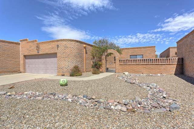 860 W Desert Hills Drive, Green Valley, AZ 85622 (#22009060) :: Long Realty - The Vallee Gold Team
