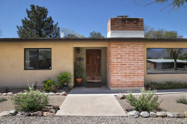 3055 N Vista Del Forte Drive, Tucson, AZ 85712 (#22009247) :: The Local Real Estate Group   Realty Executives