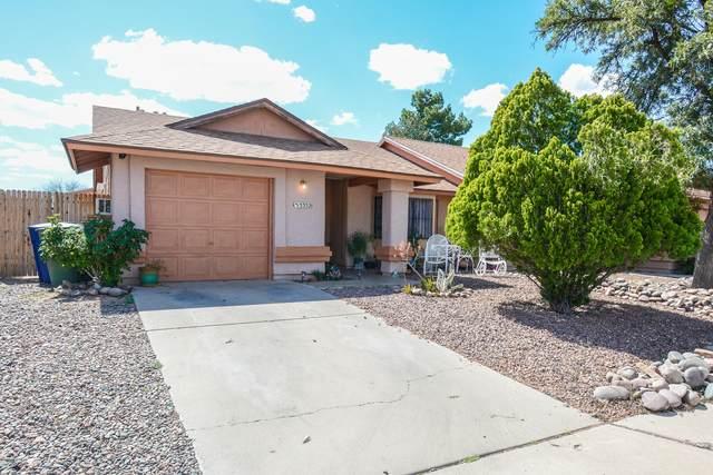 5352 S Carriage Hills Drive, Tucson, AZ 85746 (#22009386) :: Tucson Property Executives