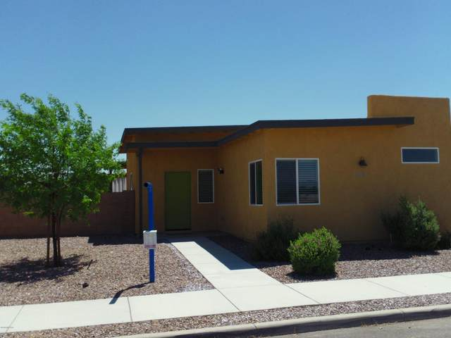 3035 N Dales Crossing Drive, Tucson, AZ 85745 (#22011673) :: Long Realty - The Vallee Gold Team