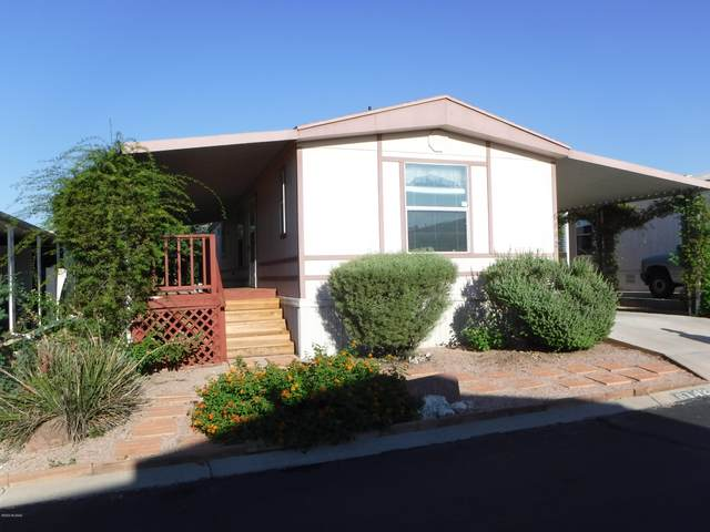 6142 S Mainside Drive, Tucson, AZ 85746 (#22012212) :: Long Realty - The Vallee Gold Team