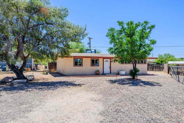 2349 S Tucson Stravenue, Tucson, AZ 85713 (#22012898) :: Long Realty - The Vallee Gold Team