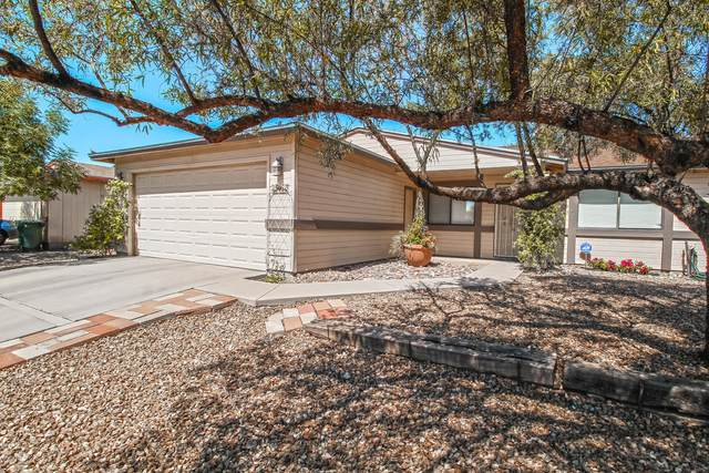 5950 S Springbrook Drive, Tucson, AZ 85746 (#22013216) :: Long Realty - The Vallee Gold Team