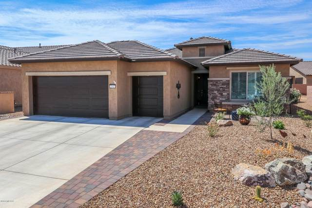 2542 E Canyon Crossing Drive, Green Valley, AZ 85614 (#22014042) :: Long Realty - The Vallee Gold Team