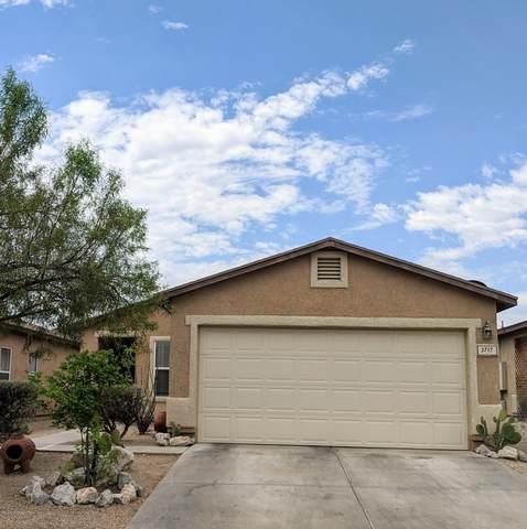 3717 W Fenton Way, Tucson, AZ 85746 (#22014162) :: Long Realty - The Vallee Gold Team