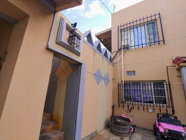 141 N Escalada Drive, Nogales, AZ 85621 (#22015912) :: Long Realty - The Vallee Gold Team