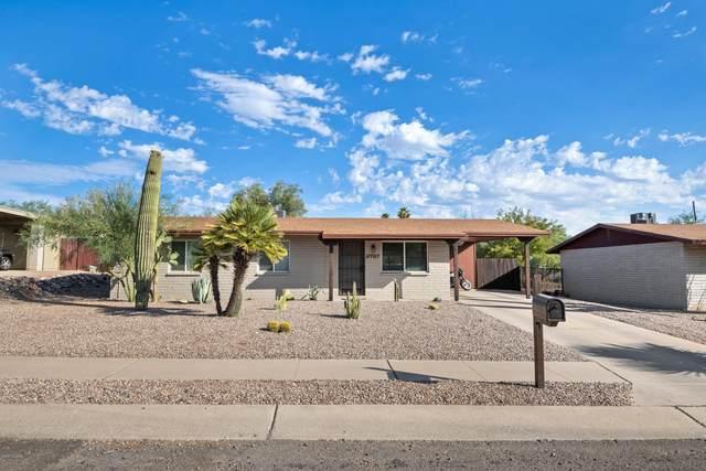 2787 W Via Del Santo, Tucson, AZ 85741 (#22015959) :: Long Realty - The Vallee Gold Team