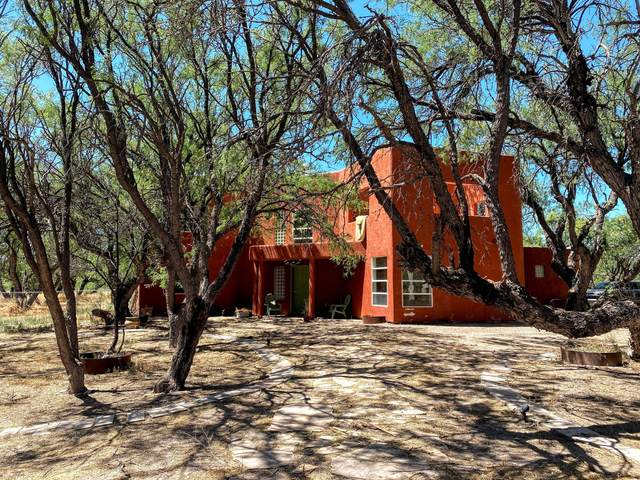 1381 E Cottonwood Lane, Huachuca City, AZ 85616 (#22016436) :: Keller Williams