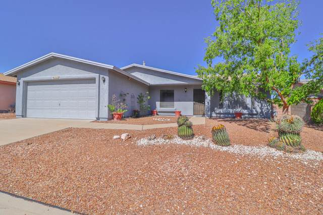 3028 S Giovanna Drive, Tucson, AZ 85730 (#22018600) :: Long Realty - The Vallee Gold Team