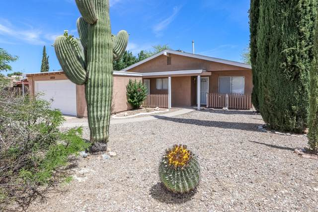 8951 E Old Spanish Trail, Tucson, AZ 85710 (#22018632) :: Long Realty - The Vallee Gold Team