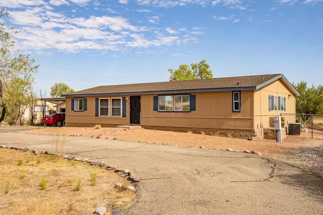 16800 W Falcon Lane, Marana, AZ 85653 (#22018763) :: Long Realty - The Vallee Gold Team