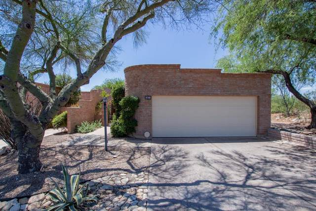 5760 E Cochise Trail, Tucson, AZ 85750 (#22019415) :: Long Realty - The Vallee Gold Team