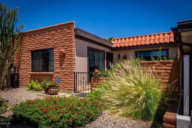 348 W Camino Del Sonador, Green Valley, AZ 85614 (#22019473) :: Long Realty Company