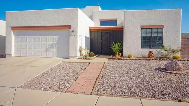 2730 W Camino Hornos, Tucson, AZ 85742 (#22021729) :: Long Realty - The Vallee Gold Team