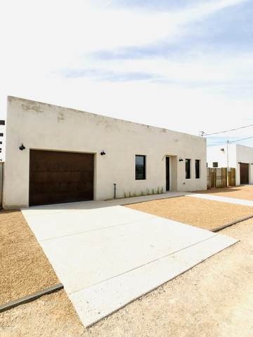 1010 S Russell Avenue, Tucson, AZ 85701 (#22022353) :: Long Realty - The Vallee Gold Team