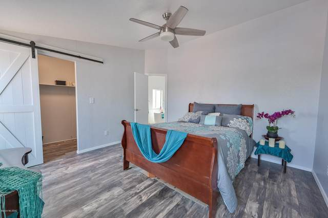 15721 N Twin Lakes Drive, Tucson, AZ 85739 (#22022430) :: Long Realty - The Vallee Gold Team