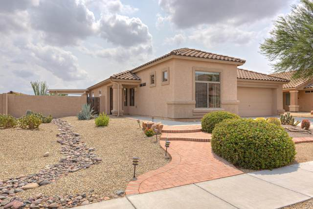 661 W Via Alamos, Green Valley, AZ 85614 (#22022680) :: Keller Williams
