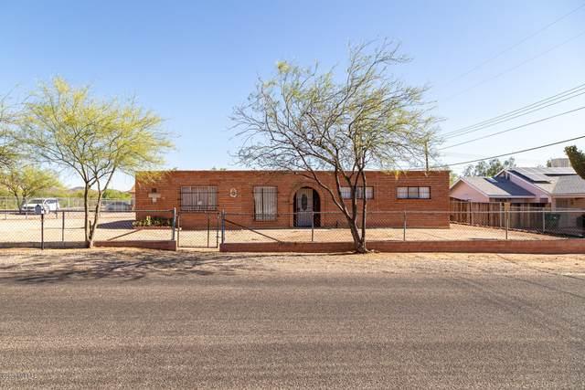 2852 W Capistrano Road, Tucson, AZ 85746 (#22022959) :: Long Realty - The Vallee Gold Team