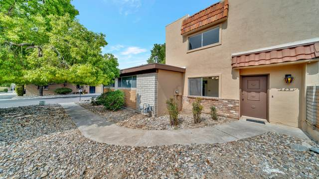 2051 S Quail Hollow Drive, Tucson, AZ 85710 (#22023129) :: AZ Power Team | RE/MAX Results