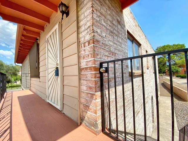 6610 E Calle La Paz D, Tucson, AZ 85715 (#22023386) :: Tucson Property Executives