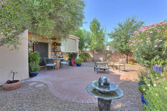 484 W Pecan Valley Drive, Green Valley, AZ 85614 (#22023898) :: Long Realty Company