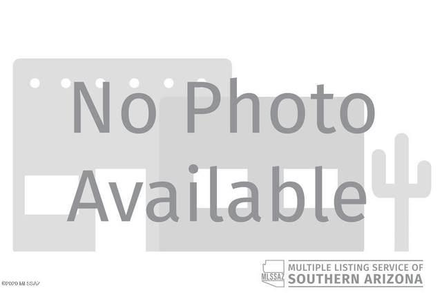 12121 N Whitetail Road, Marana, AZ 85653 (#22024396) :: Keller Williams