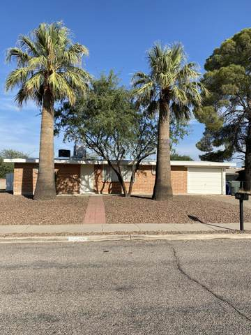 2101 S Farwell Avenue, Tucson, AZ 85711 (#22025396) :: Long Realty - The Vallee Gold Team