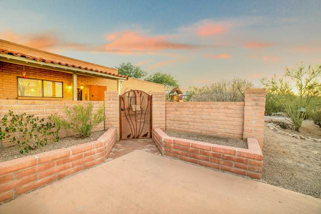 4951 W Placita De Los Vientos, Tucson, AZ 85745 (#22026498) :: Long Realty - The Vallee Gold Team