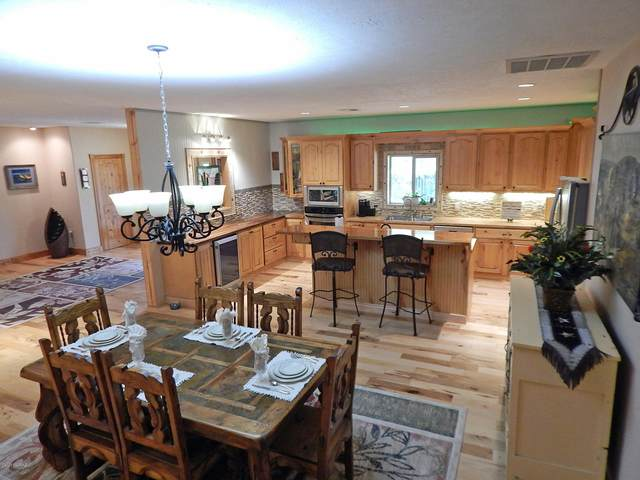 6673 W Gleeson Road, Elfrida, AZ 85610 (#22026515) :: Long Realty - The Vallee Gold Team