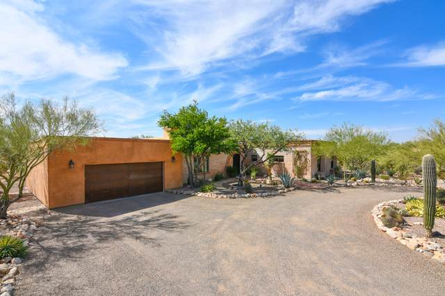 2220 E Camino El Ganado, Tucson, AZ 85718 (#22026611) :: Long Realty - The Vallee Gold Team