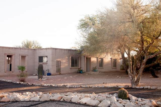 2921 W Camino Camelia, Tucson, AZ 85745 (#22029298) :: Tucson Property Executives