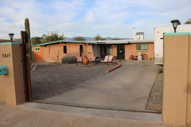 8849 E Old Spanish Trail, Tucson, AZ 85710 (#22029422) :: Tucson Property Executives
