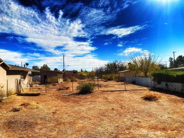 1805 E 8Th Street -, Douglas, AZ 85607 (#22029435) :: Keller Williams