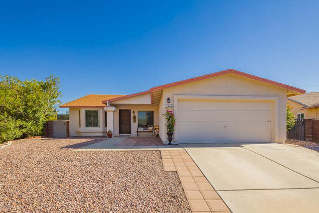 8420 N Camas Way, Tucson, AZ 85742 (#22029549) :: Long Realty - The Vallee Gold Team