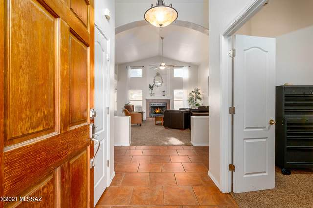 6841 W Rifle Way, Tucson, AZ 85743 (#22101157) :: Long Realty - The Vallee Gold Team