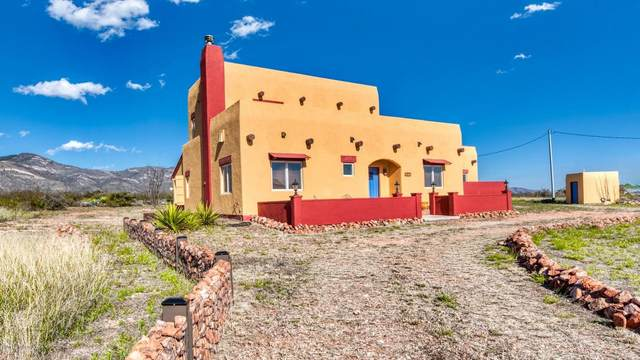 1435 Peaceful Place Lane, Bisbee, AZ 85603 (#22101389) :: Long Realty Company