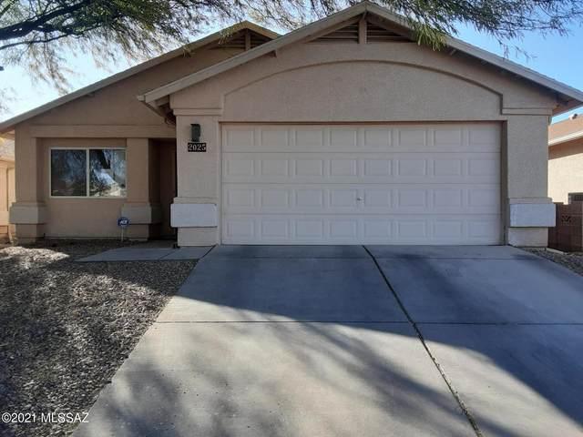 2025 W Calle Cielo De Oro, Tucson, AZ 85746 (#22101393) :: Keller Williams