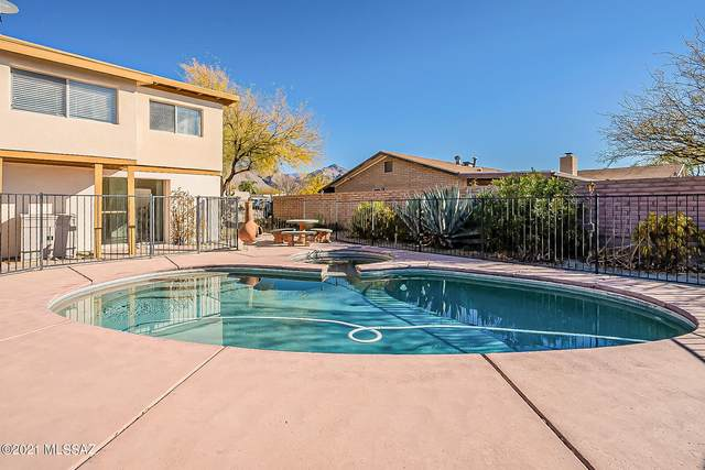 8250 E Rawhide Trail, Tucson, AZ 85750 (#22101543) :: Long Realty - The Vallee Gold Team