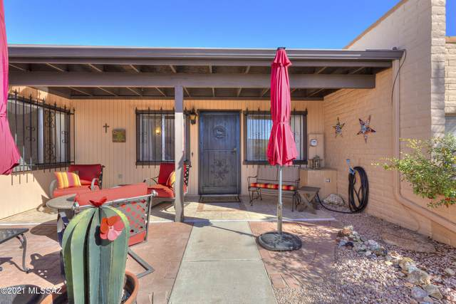 1448 Placita Apache, Green Valley, AZ 85622 (#22103494) :: Long Realty - The Vallee Gold Team